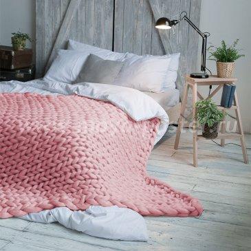 Нежно-Розовый Плед Hygge из шерсти мериноса (200х260 см) в каталоге интернет-магазина Моя постель