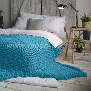 Плед Hygge из шерсти мериноса цвета Средиземноморский Голубой (120х170 см) в каталоге интернет-магазина Моя постель
