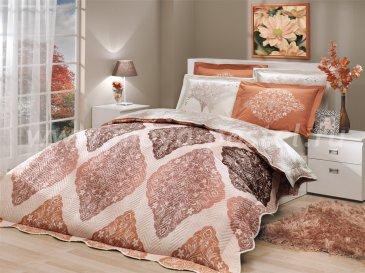 Коричнево-кремовое постельное белье с двусторонним стеганым покрывалом «JUILLET-AMANDA», двуспальное в интернет-магазине Моя постель
